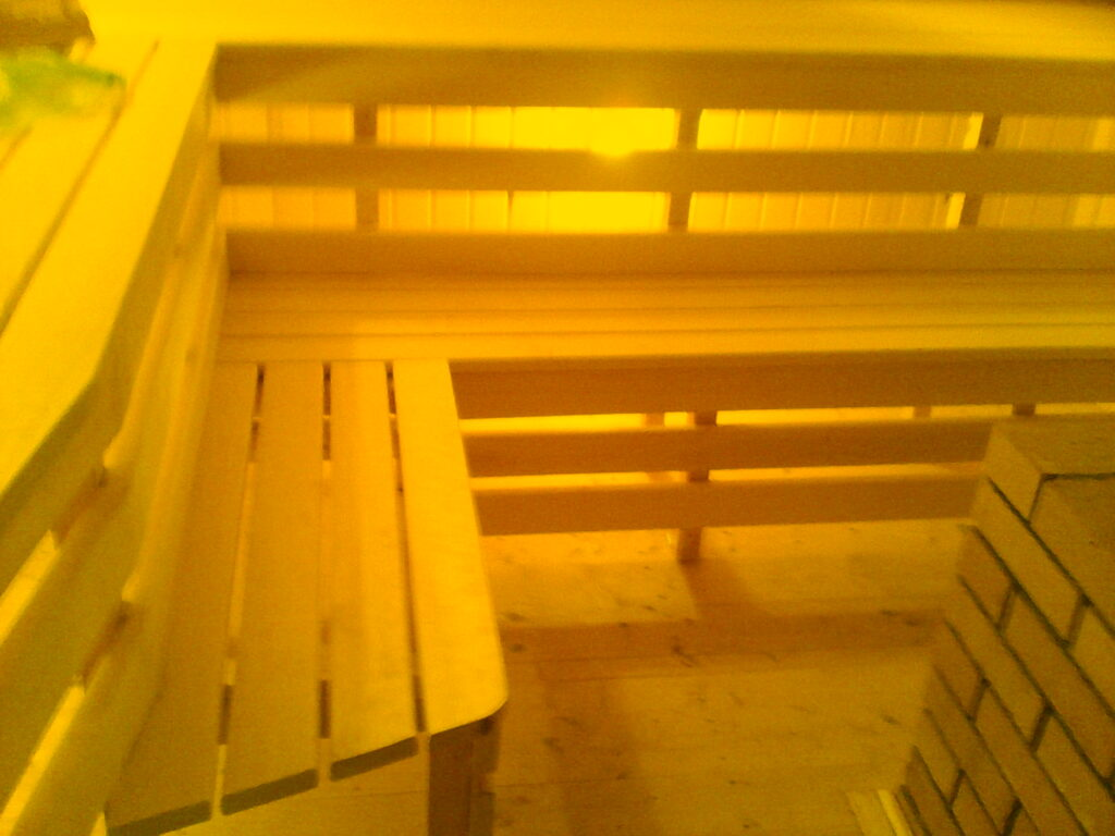 IMG 20140606 090237 1024x768 - Изготовление полога и лавок для бани.